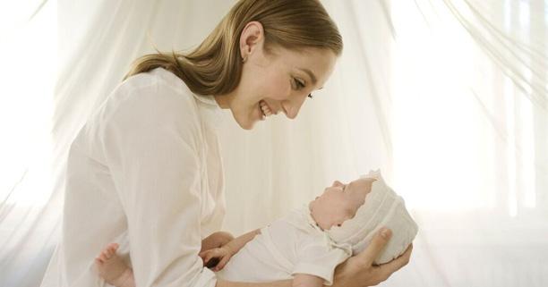 การอาบน้ำทารก, การอาบน้ำเด็กแรกเกิด, การอาบน้ำลูกแรกเกิด, การอาบน้ำเด็ก, วิธีอาบน้ำเด็ก, วิธีอาบน้ำทารก, วิธีอาบน้ำลูกแรกเกิด, การสระผมเด็ก, การสระผมทารก, การสระผมลูกแรกเกิด, วิธีสระผมเด็กแรกเกิด, วิธีสระผมทารก, โซฟี ลา จีราฟ เบบี้,ผลิตภัณฑ์อาบน้ำ,เบบี้,ผลิตภัณฑ์ออร์แกนิกจากฝรั่งเศส,สระผม,อาบน้ำเด็ก,สระผมเด็ก,อาบน้ำทารก,อาบน้ำลูก