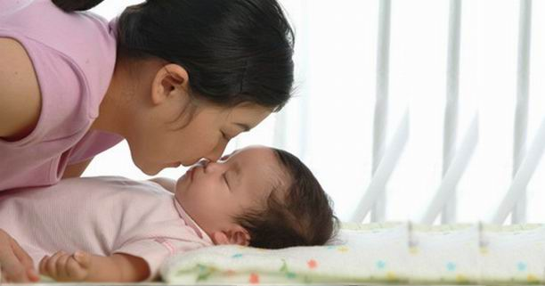 6 วิธีกระตุ้นสมองลูกแรกเกิด