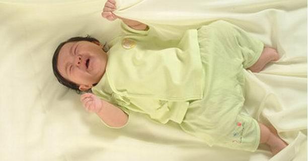 การนอน, ทารก, ร้องไห้, งอแง, พัฒนาการ, ฮอร์โมนการเจริญเติบโต, การให้นม, เด็ก 5 เดือน