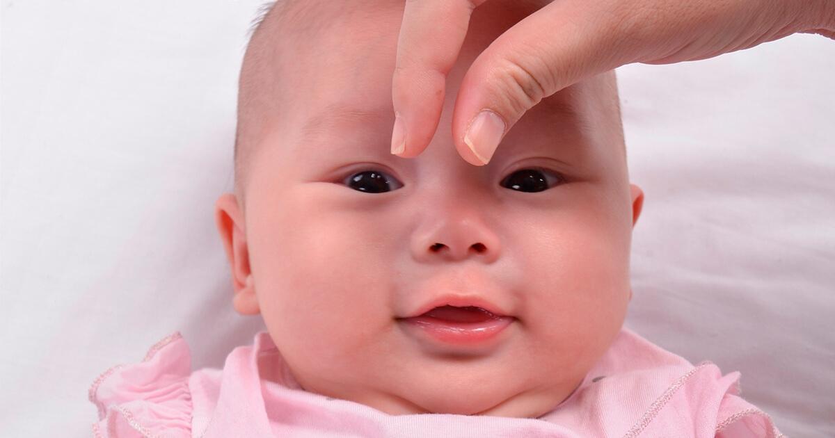 อยากให้ลูกจมูกโด่ง, ลูกจมูกแบน, ลูกไม่มีดั้ง, วิธีทำให้จมูกโด่ง, การนวดจมูก, การนวดเด็กทารก, การนวดหน้า
