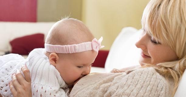 นมแม่, กัดหัวนมแม่, การให้นม, การให้นมแม่, หัวนม, ให้นมลูก, พฤติกรรมกัด, ทารก, การเรียนรู้, หยุดพฤติกรรมกัดหัวนม