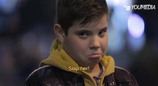 คลิป, คลิปครอบครัว, คลิปวิดีโอ, คลิปสำหรับครอบครัว, คลิปเด็ก,คลิปเด็กขอให้ตบผู้หญิง,Slap her clip, clip,ความรุนแรง,คลิปแสดงพฤติกรรมในเด็ก