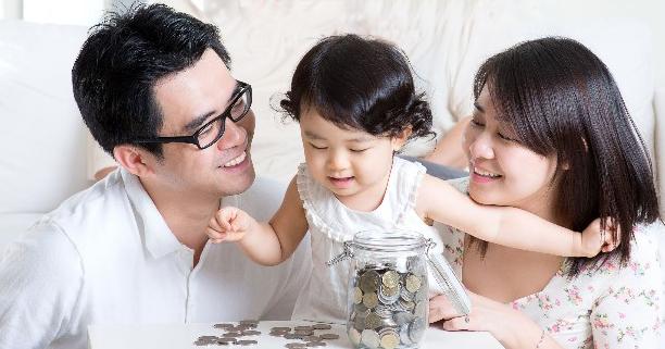 การออมเงิน, เงินเก็บ, เงินออมของครอบครัว, เงินเก็บของครอบครัว, เงินล้าน, การลงทุนเพื่อการออม, ประกันเพื่อการออม, ประกันสุขภาพ, ประกันชีวิต, เงินออมของลูก, เงินเก็บของลูก, ครอบครัวเงินล้าน, ธนชาต, Thanachart, การลงทุนทางการเงิน, กองทุนรวม