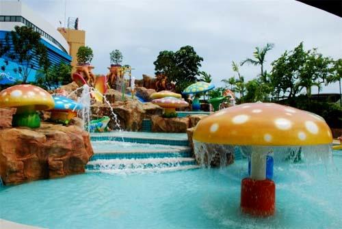 สวนน้ำ,ทะเลกรุงเทพ,เด็ก,ครอบครัว,หรรษา,เครื่องเล่น,ปิดเทอม,ฤดูร้อน,หน้าร้อน,เล่นน้ำ,สวนสยาม,ซานโตรินี่